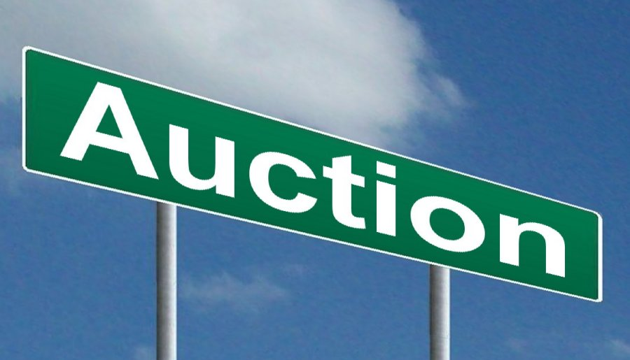 Selling Homes via Auction